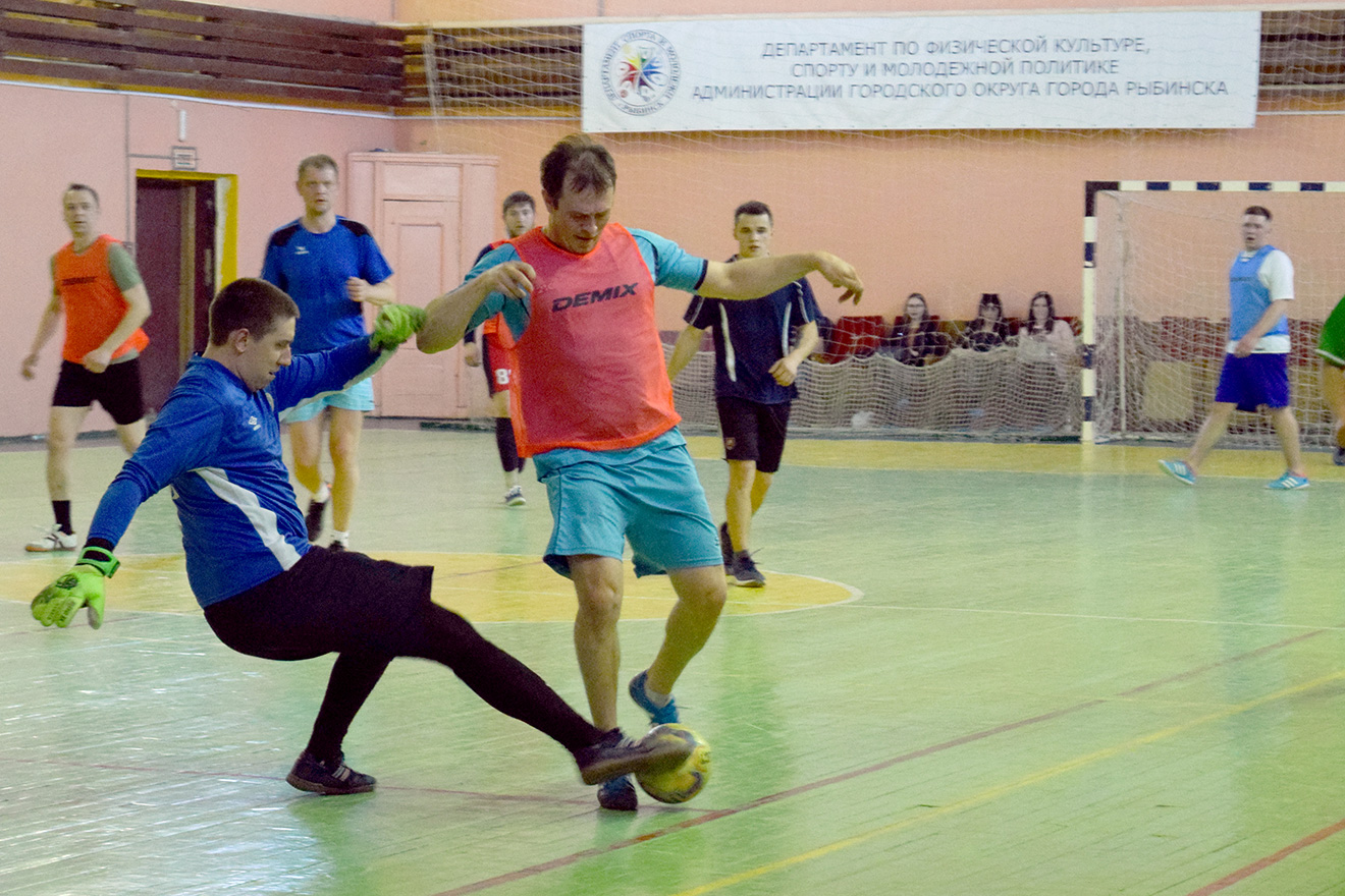турнир по футболу среди судостроительных предприятий Рыбинска