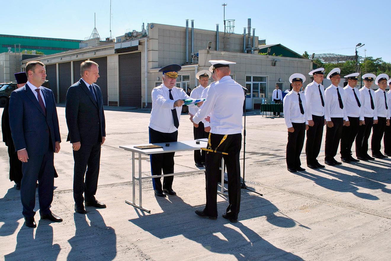 16 сентября 2021г. состоялся торжественный подъем флага на патрульном катере проекта 1496М1 (речной) зав.№01409